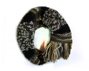 Ръчно плетен дамски зимен шал в зелено и черно Babini