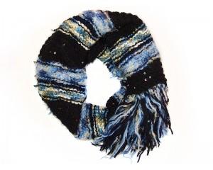 Ръчно плетен дамски зимен шал в черно и синьо Babini