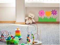 Декоративен детски стикер - три цветя