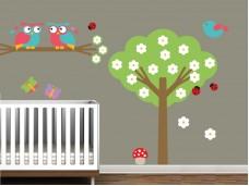 Декоративен стикер за детска стая Зелено дърво